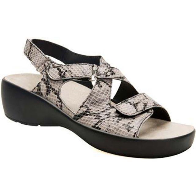 Drew Shoe Abby - Women's Straps Sandal